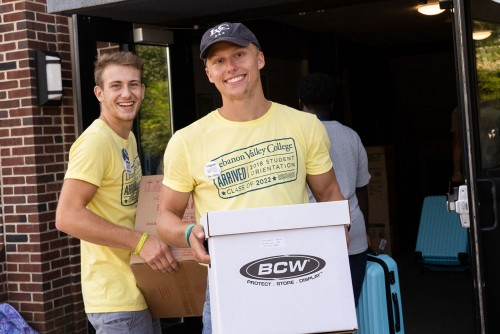 Returning students help with move-in day at Lebanon Valley College