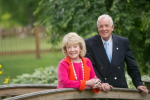 Edward H. Arnold H'87 and Jeanne Donlevy Arnold H'08 pose for a photo