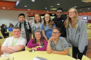 Kelly O'Brien spends time with student in Mund Dining Hall
