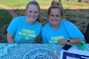 Sarah Bruchey volunteers as part of Students Helping Seniors