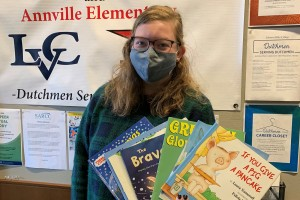 Lebanon Valley College student MacKenzie Webb participates in a community service reading program