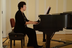 Music Professor Dr. Shelly Moorman-Stahlman plays a piece on the piano