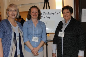 Amanda Lubold presents her work at a Sociology conference